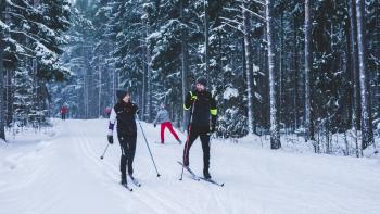 Miksi Helsingissä ei pääse vieläkään hiihtämään?